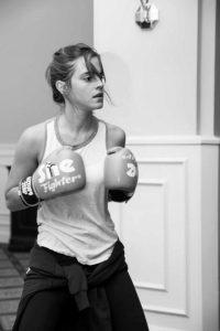 Emma Watson practicando boxeo