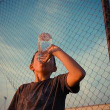Consejos para mantener hidratados a los más pequeños de la casa